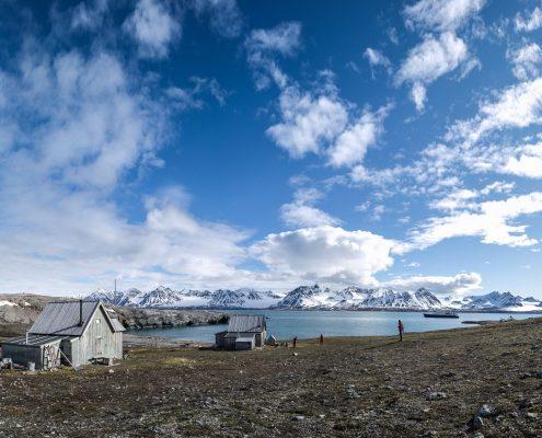 Holzhütte in Spitzbergen