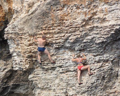 Klettern Mallorca ueber dem Meer