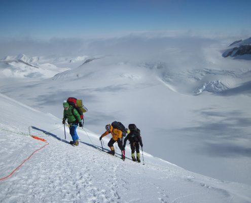Mt.Vinson Aufstieg in den Fixseilen zum Highcamp