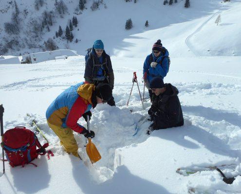 Skitourenkurs alpin Schneekunde